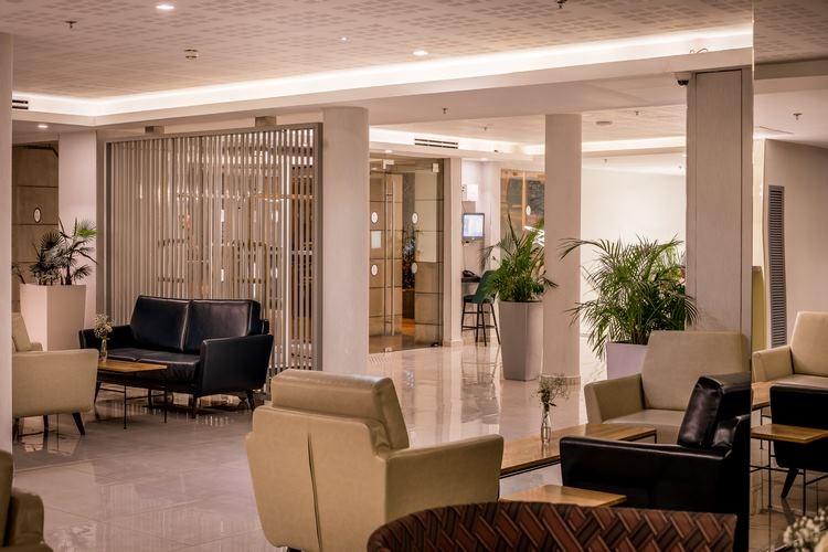 Nirvana Club - lobby