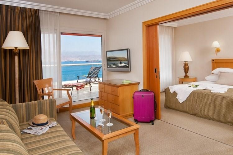 Royal suite jacuzzi