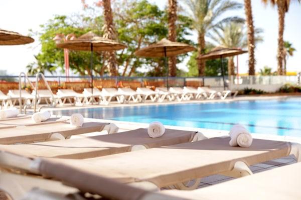 Nirvana Suites pool