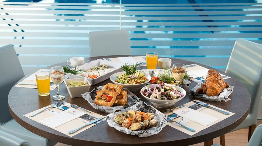 poolside meal